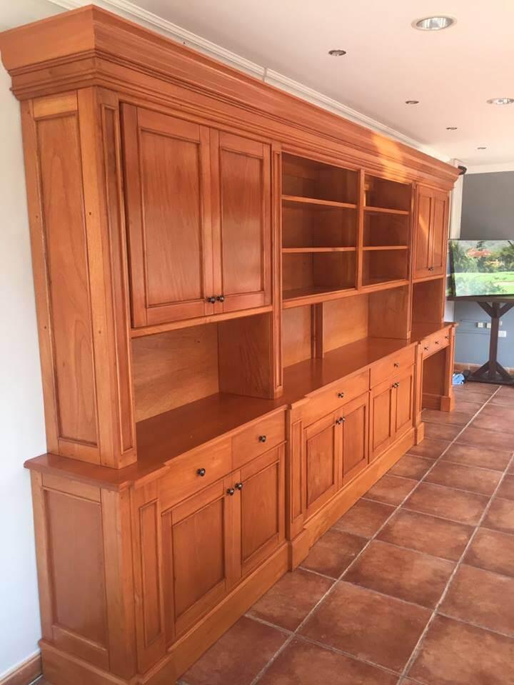 Muebles finos de madera en costa rica ebanisteria sarchise a for Diseno de muebles de oficina modernos